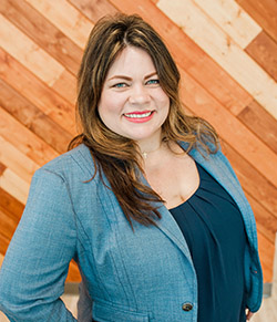 Chiropractor Bakersfield CA Stephanie Perry